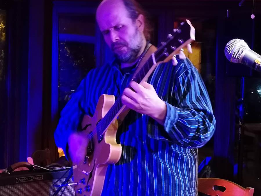 Giancarlo Bianchetti trio 05/12/2018